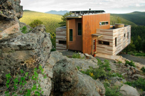 eco-friendly-shipping-container-house-550x3981